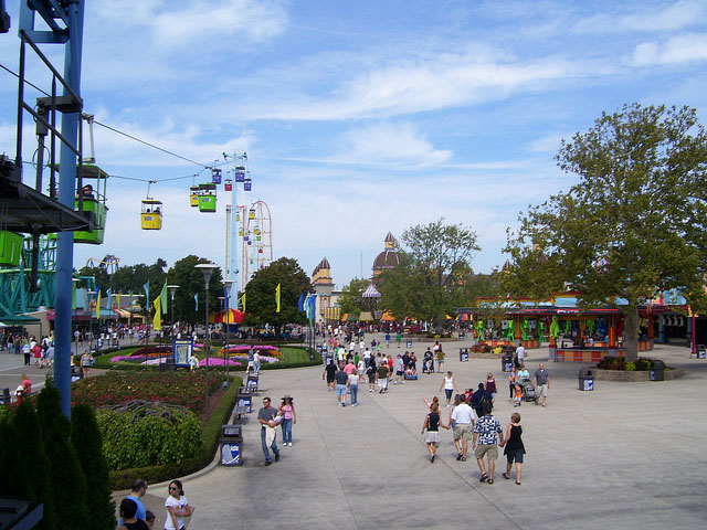 When Is Cedar Point Least Crowded? – Is It Packed? – Real Time