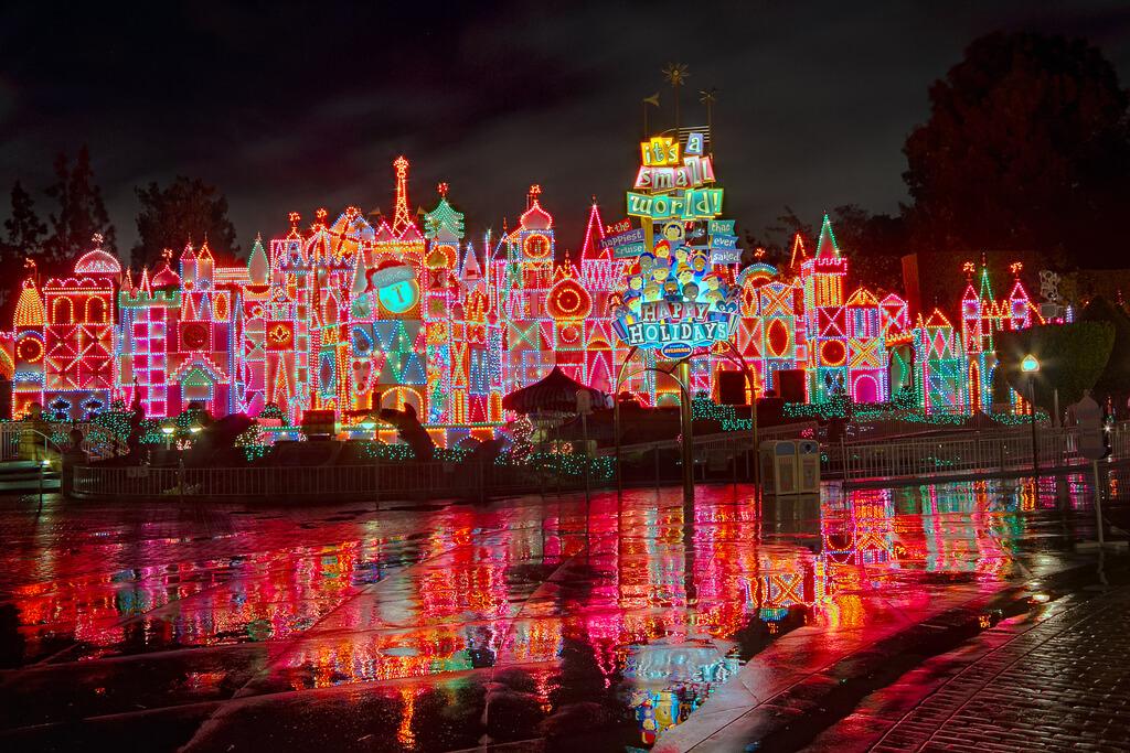 Disneyland In November Best Amp Worst Days To Go Is It