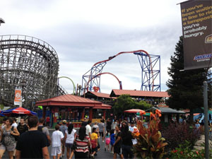 Six Flags Discovery Kingdom Crowds Is It Packed Real Time Crowd Tracking Isitpacked Com