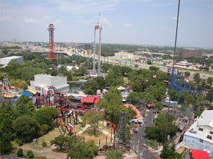 Six Flags Over Texas Crowds – Is It Packed? – Real Time Crowd